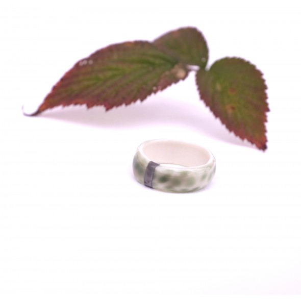 Green Ring Decorated Platinum